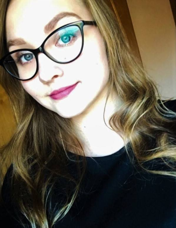 Gabriela Fuks, uczennica, 18 lat:<br /> Obecnie prawda traci na znaczeniu. Zastępowana jest iluzją, niedomówieniami. Ludziom wygodniej jest ślizgać się po rzeczywistości, nie wchodzić w szczegóły, nie być szczerym, ukrywać prawdę, niż mówić otwarcie o swoich uczuciach i poglądach. Jednak prawda...