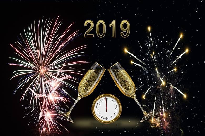 Życzenia noworoczne to piękna tradycja. Składamy je bliskim najczęściej w SYLWESTRA. Ale także wysyłamy życzenia w Nowy Rok. Wciąż też wysyłamy elektroniczne