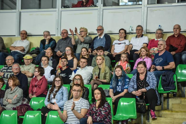 W pierwszym meczu o 11. miejsce Plus Ligi siatkarzy Chemik Bydgoszcz przegrał z Cuprum Lubin 2:3 (13:25, 25:22, 25:23, 21:25, 11:15). Poza pierwszym