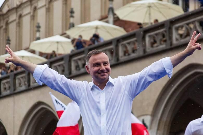 Andrzej Duda zwyciężył w II turze wyborów prezydenckich.