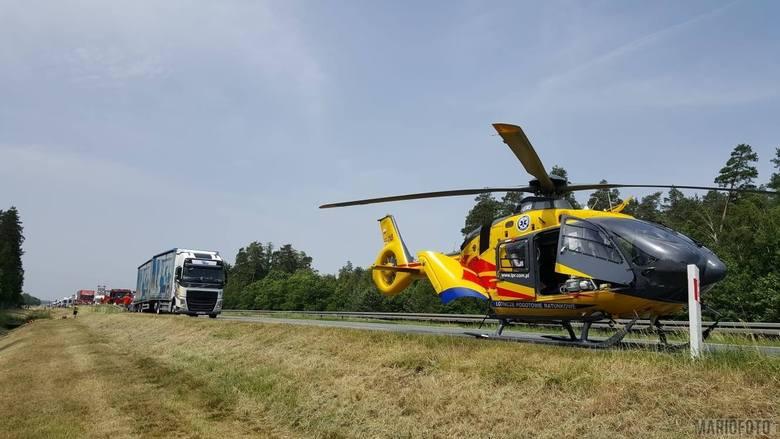 Wypadek na autostradzie A4. Samochód wypadł z drogi, jedna osoba ranna. Lądował śmigłowiec LPR