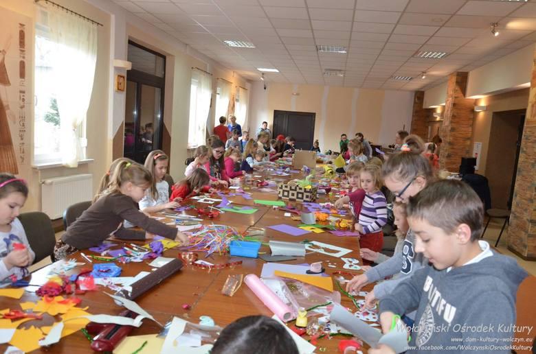 Atrakcja na ferie zimowe przygotował Wołczyński Ośrodek Kultury. Oprócz zajęć w domu kultury odbędą się również zawody sportowe na stadionie miejskim