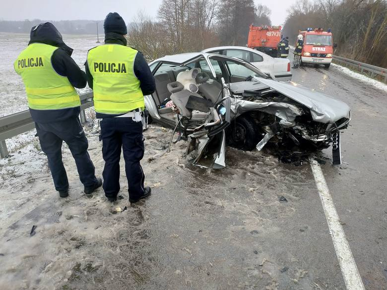 W piątek, po godzinie 11, doszło do wypadku na drodze W670 między miejscowościami Bieniowce-Kolonia a Dąbrowa Białostocka.