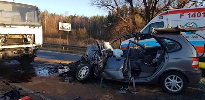 Do wypadku doszło w środę, 5 grudnia, na drodze w Nowej Wsi (pow. wschowski). Zderzyły się osobówka z ciężarówką. Jedna osoba została ranna. Na miejsce