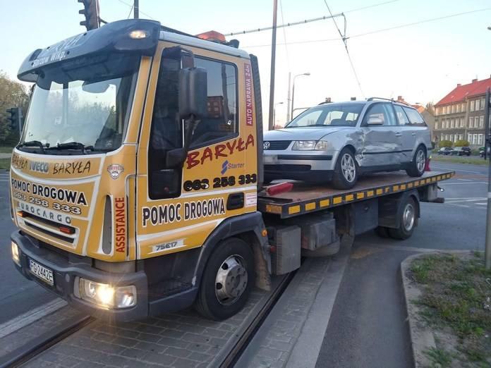 Do zdarzenia doszło we wtorek, 23 kwietnia, z samego rana na skrzyżowaniu w Gorzowie. Kierująca fiatem uderzyła w bok volkswagena.Do zderzenia samochodów