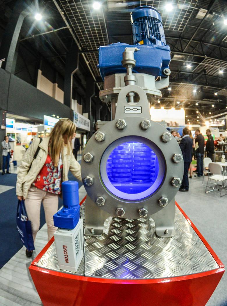 Tak wielkie nagromadzenie maszyn i urządzeń dla wodociągów i kanalizacji można zobaczyć tylko raz w roku i tylko w bydgoskim Myślęcinku.