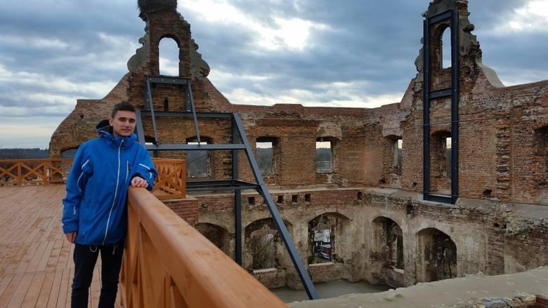 Można już zwiedzać zabytkowe mury zamku w UjeździeRuiny zamku w Ujeździe, należące do ANR, są już dostępne dla zwiedzających.