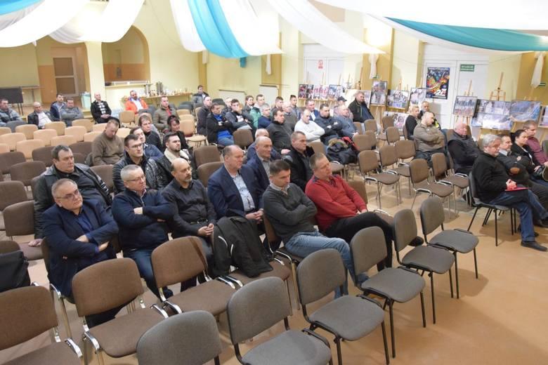 Michał Kołodziejczak na spotkaniu z Nowogrodzie Bobrzańskim jasno zaznaczył, że nie ma zamiaru w przyszłości przekształcenia ruchu Agro Unia w partię