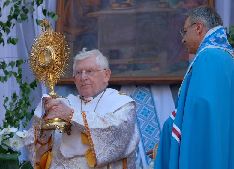 W niedzielę w greckokatolickim soborze archikatedralnym w Przemyślu odbyła się msza z okazji potrójnego jubileuszu obchodzonego przez byłego metropolitę