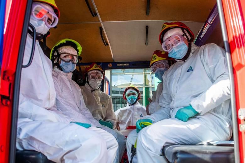 W poniedziałek 311 nowych przypadków zakażenia koronawirusem. Nie żyje 13 kolejnych osób