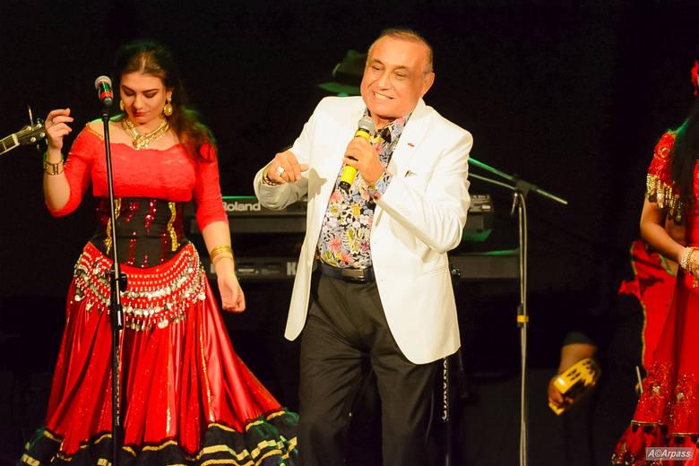 Don Vasyl i Cygańskie Gwiazdy to zespół, prezentujący muzykę i taniec romski, znany z wielu występów telewizyjnych i festiwalu muzyki romskiej w Cie