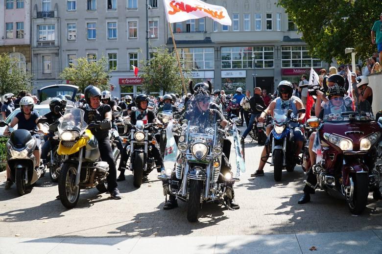 W sobotę w Poznaniu odbyła się XII Parada Motocyklowa Solidarności. Na ulicach miasta pojawiło się kilkaset maszyn. Parada organizowana jest tradycyjnie