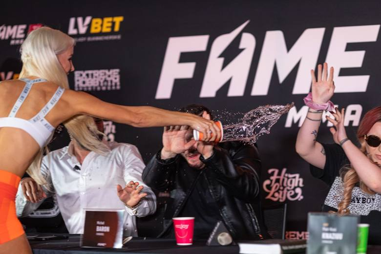Fame MMA 4. Streaming online na żywo. Linkiewicz vs Sexmasterka. Gdzie transmisja TV za darmo? [Fame MMA 4 LIVE]