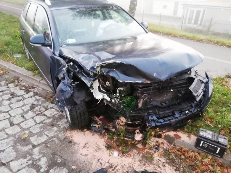 Do zdarzenia doszło w środę rano na drodze krajowej numer 6 pod Koszalinem. Kierująca Mitsubishi nie ustąpiła pierwszeństwa volkswagenowi i doszło do