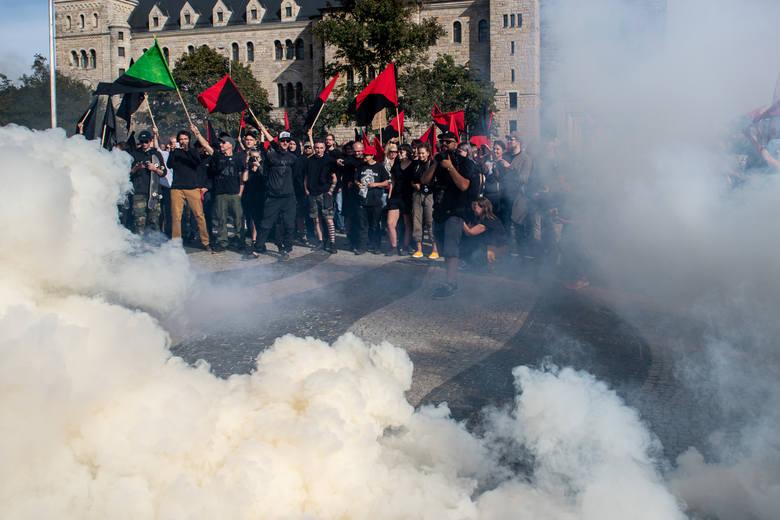 Anarchiści protestowali w obronie skłotu Rozbrat w sobotę, 14 września. W ostatnich dniach obchodzą 25-lecie istnienia tego miejsca w Poznaniu.<br /> <br />  <br />