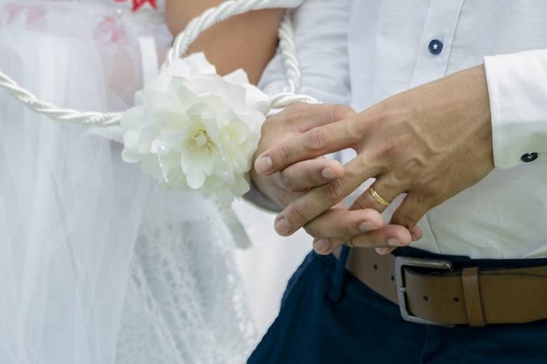 NIEZDOLNOŚĆ DOKONANIA STOSUNKU MAŁŻEŃSKIEGONiezdolność dokonania stosunku małżeńskiego uprzednia i trwała, czy to ze strony mężczyzny czy kobiety, czy