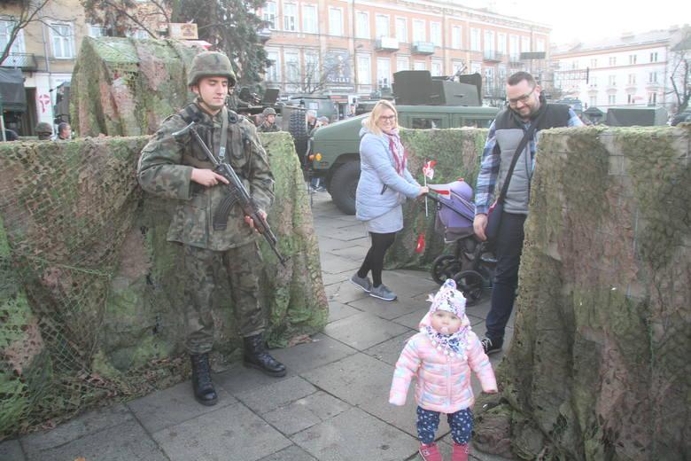 Piknik Służymy Niepodległej w wojskowym klimacie w Kielcach [WIDEO, ZDJĘCIA]
