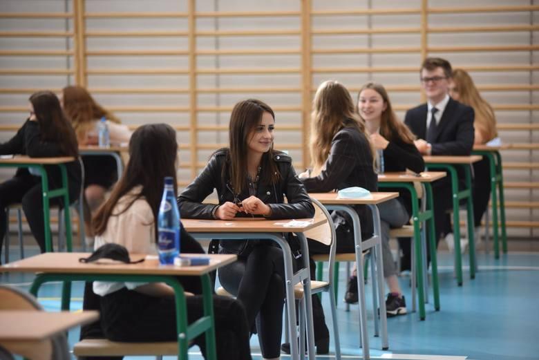 """W rankingu """"Newsweeka"""" zostały uwzględnione szkoły z całej Polski. Wzięto pod uwagę wyniki matur, Edukacyjną Wartość Dodaną (obliczaną"""