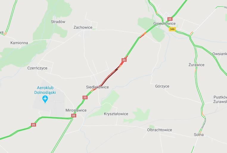 Groźny wypadek pod Wrocławiem. Motocyklista z pasażerką ciężko ranni