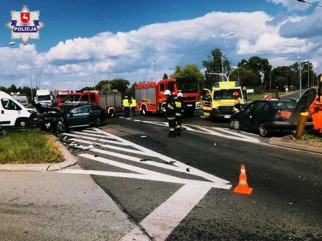 Wypadek na obwodnicy Lubartowa. Dwie osoby trafiły do szpitala