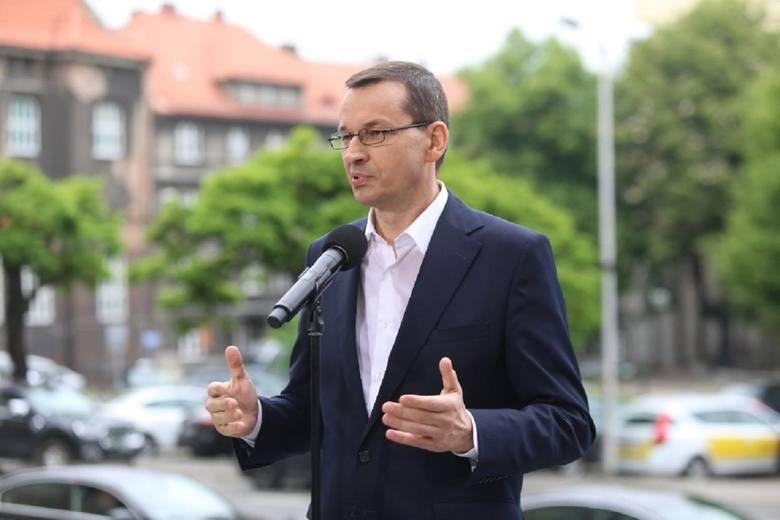 """Grudzień 2015Wicepremier Mateusz Morawiecki w Wilnie""""Nie będziemy zamykać kopalń. Nie możemy pozwolić sobie teraz ani na zamykanie kopalń, ani"""
