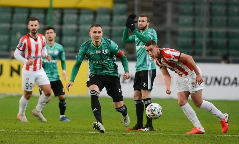 Środek obrony to jedna z przyjemnych zagadek do rozwiązania Aleksandara Vukovicia. Głównie dlatego, że w obu meczach Artur Jędrzejczyk, Igor Lewczuk