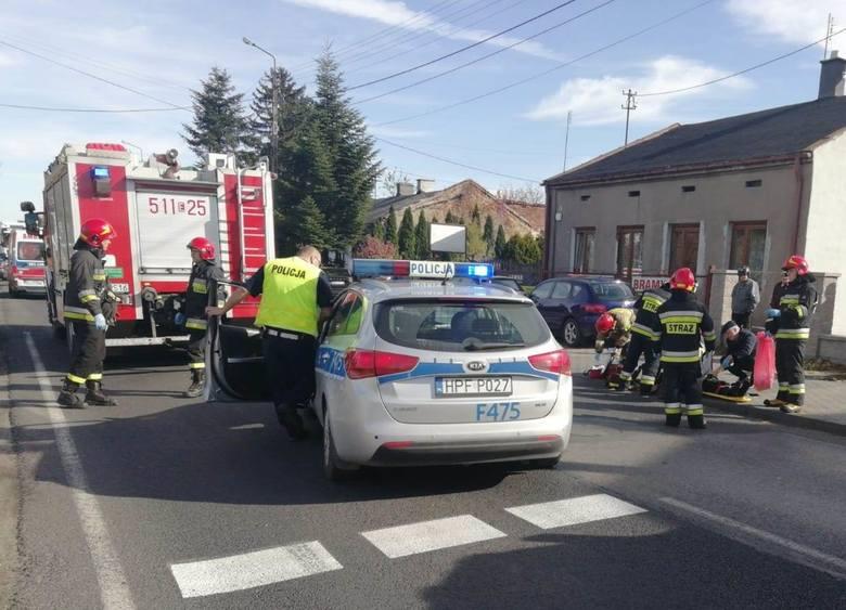 Śmiertelny wypadek rowerzystów w Radomsku.Ulicą Przedborską (droga krajowa nr 42) w kierunku Przedborza jechała mercedesem 20-letnia kobieta. Na wysokości