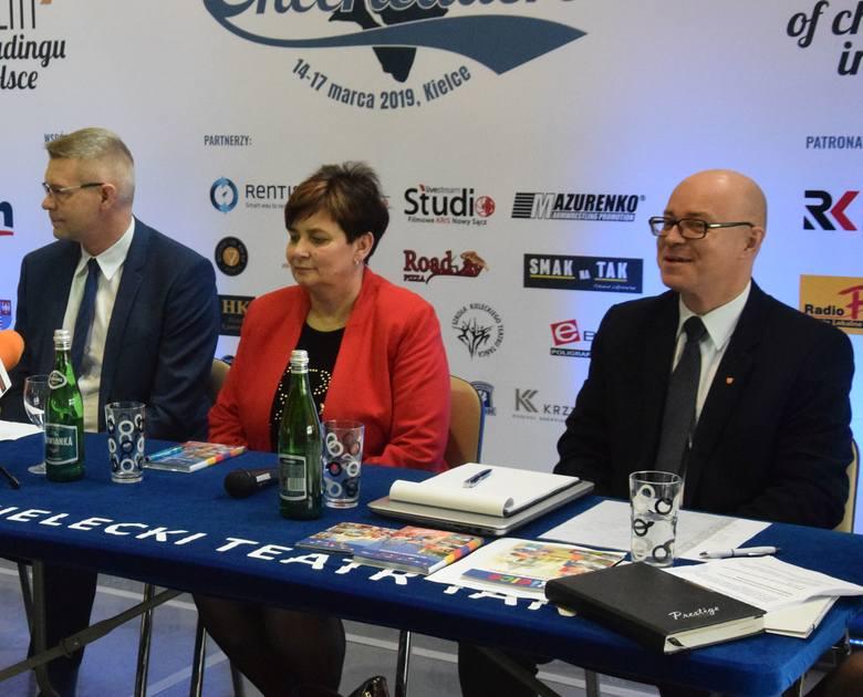 Od lewej: prezydent Kielc Bogdan Wenta, pełnomocnik prezydenta Danuta Papaj, Artur Sobolewski, dyrektor Kultury, Sportu i Promocji Urzędu Miasta w K