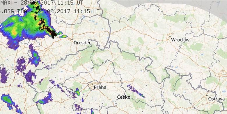 Nad Wrocław nadciąga burza. IMGW już wydało ostrzeżenie [RADAR BURZOWY ONLINE]