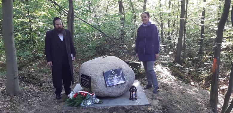 Dzięki badaniom prof. Sabiny Bober z Katolickiego Uniwersytetu Lubelskiego (nz. z prawej) udało się upamiętnić tragiczną historię Józefa Lejby i Katarzyna Kiszka z Harty.