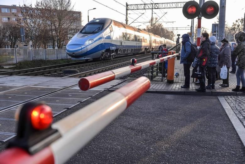 """Horała jeszcze w lutym zapowiedział, że """"na 90 proc."""" do konsultacji powróci poprzedni przebieg tunelu, czyli ten pod ul. Bratysławską. Pogłębione konsultacje"""