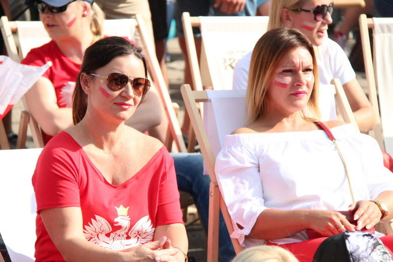 Piękniejsza strona Mundialu. Tak panie dopingowały biało-czerwonych w meczu z Senegalem  w strefach kibica na Śląsku ZDJĘCIA