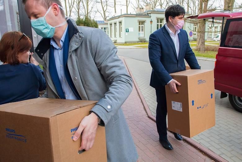 W czwartek po południu do szpitala im.Biegańskiego w Łodzi trafiło 7 nowoczesnych respiratorów przekazanych na wniosek marszałka województwa łódzkiego