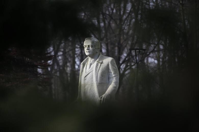 Pomnik Wojciecha Korfantego w Siemianowicach Śląskich. Konkurs na projekt pomnika Korfantego w Warszawie dopiero zostanie rozpisany