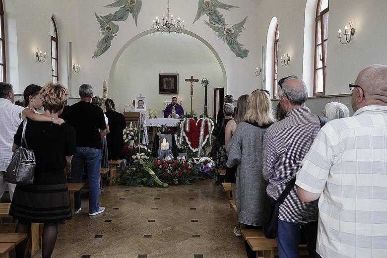 Na cmentarzu na Zarzewie odbył się pogrzeb wybitnego piłkarza ŁKS – Mariana Galanta. – To był bardzo dobry i ważny zawodnik drużyny – wspominał Jacek