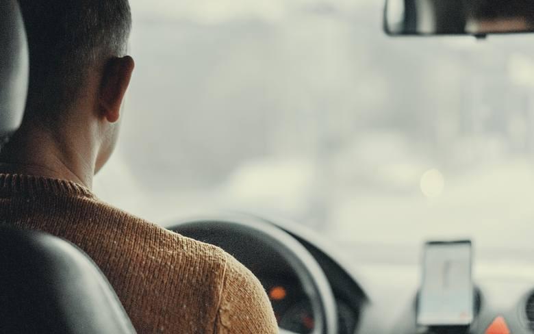 Ostrożny i niezawodny kierowca. Unika ryzykownych sytuacji. Lubi szybką jazdę, ale pozwala sobie na nią stosunkowo rzadko i tylko wtedy, gdy ma wszystko