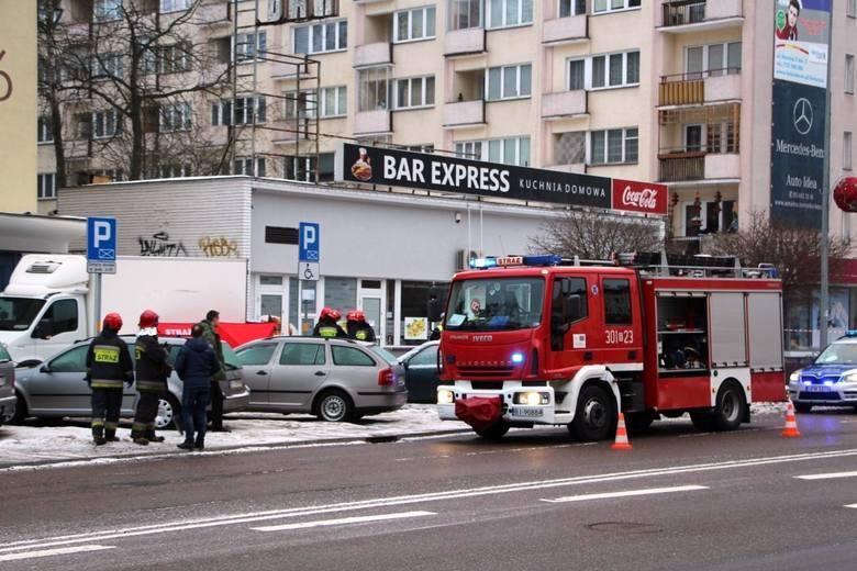 Do śmiertelnego wypadku przy ul. Skłodowskiej doszło w sobotę 19 stycznia. Kierowca dostawczego auta potrącił na chodniku pieszą.