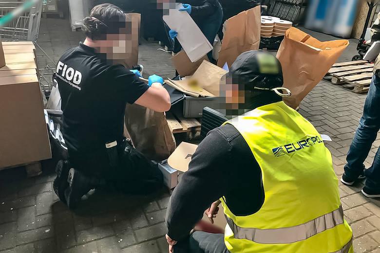 W Polsce zatrzymano 9 podejrzanych, a w Królestwie Niderlandów - 21 osób. Śledztwo nadzoruje Śląski Wydział Zamiejscowy Prokuratury Krajowej w Katowicach,