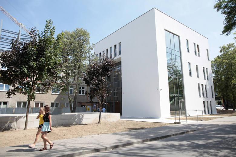 Kończy się budowa Collegium Medicum na Uniwersytecie Opolskim.