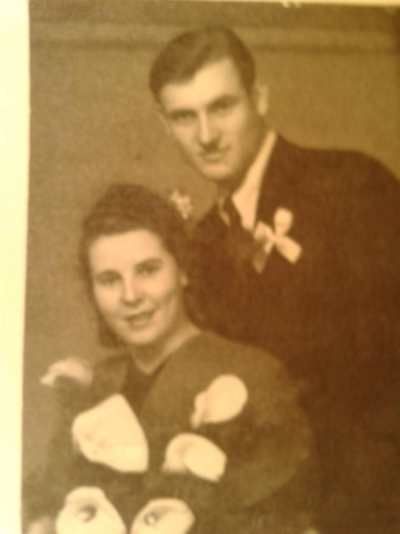Zdjęcie Janusza Swickiego i Haliny Komorowskiej ze ślubu w Warszawie