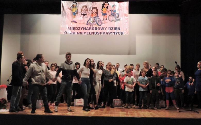 W Mogilnie odbyła się gala z okazji Dnia Osób Niepełnosprawnych [zdjęcia]