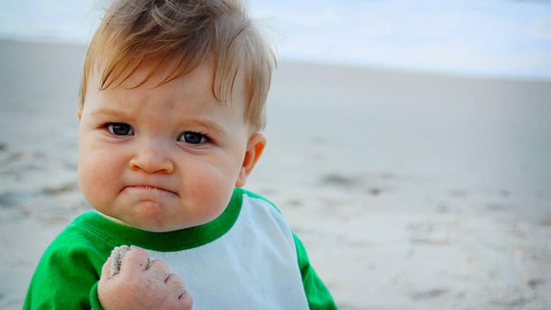 """Sammy Griner miał 11 miesięcy, gdy zdjęcie zrobione przez jego mamę,  zaczęło bić rekordy popularności w internecie.  """"Dziecko Sukcesu"""" stało się znanym"""