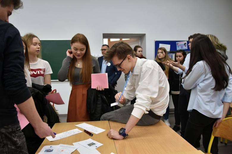 Kończy się pierwszy faza rekrutacji do wrocławskich szkół średnich. Magistrat zdradza, że w tym roku ponad 1600 uczniów nie dostało się do szkoły pierwszego