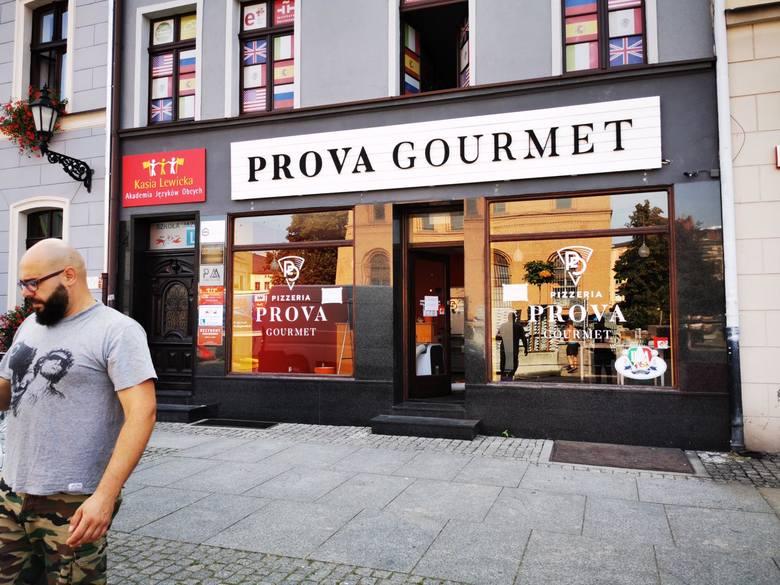 Restauracji Prova Gourmet w Toruniu przeszła Kuchenne rewolucje Magdy Gessler i od teraz ma nową nazwę: Osteria di Bitondo. Jak zmieniło się wnętrze