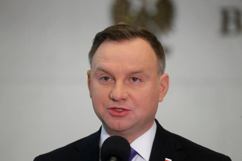 Wybory prezydenckie 2020. Nowy sondaż Kantar: Wielki spadek poparcia dla Andrzeja Dudy. Drugi jest Rafał Trzaskowski