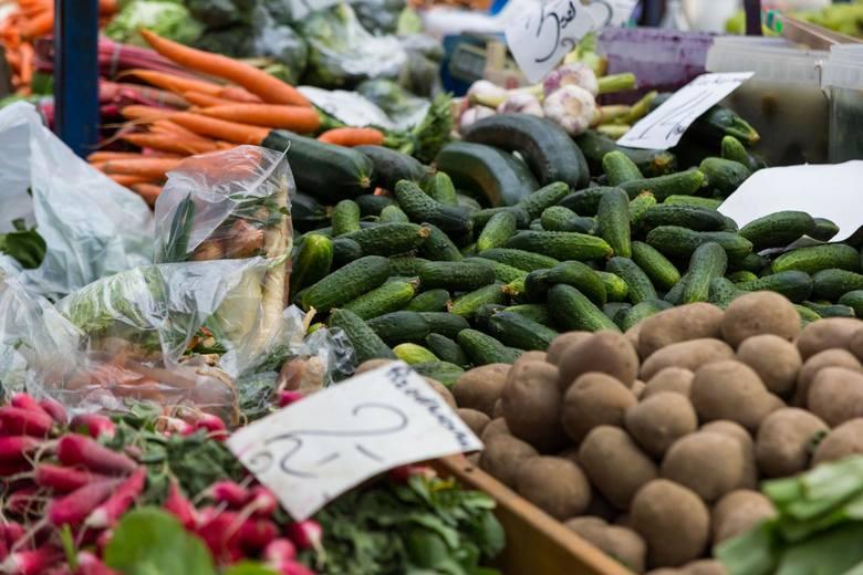 """Jakie owoce i warzywa są w Polsce najpopularniejsze? W ramach """"Narodowego badania konsumpcji warzyw i owoców"""" sprawdził to instytut KANTAR Polska dla"""
