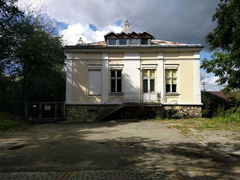 Budynek przy ul. Matejki 1.