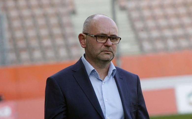 Klub z Legnicy ma chyba najniższy budżet w Lotto Ekstraklasie. Pensja: 15-20 tys. złZobacz, kto zarabia więcej ----->
