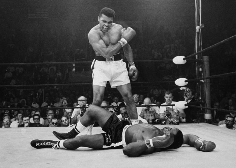 """Muhammad Ali nosił przydomek """"Największy"""" (ang. """"The Greatest""""). Jego słuszność potwierdza ranking branżowego serwisu"""