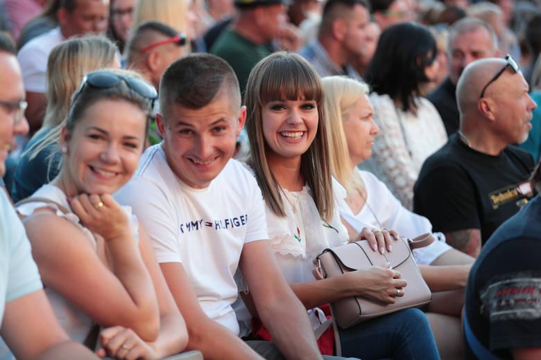 W niedzielę, 23 czerwca po raz kolejny Zielona Góra stała się stolicą polskiego kabaretu! To tutaj odbyło się humorystyczne widowisko z którego śmiech